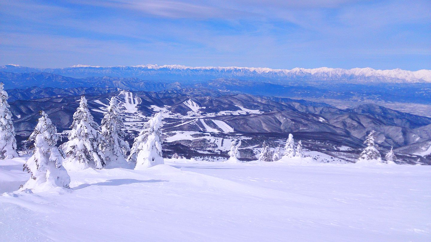 http://sugadaira-snowresort.com/application/files/8215/1080/9649/bg_keyvisual1.jpg
